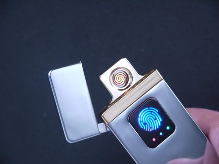 "SKY Spiral-Anzünder ""Brandon"" sortiert, mit USB-Ladekabel"