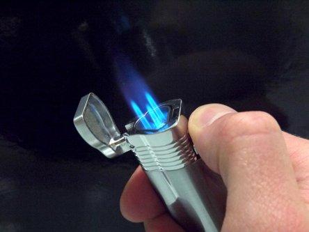 "JEAN CLAUDE 3-Flammen Jet-Fzg.""Havanna"" chrom sat./chr.pol."