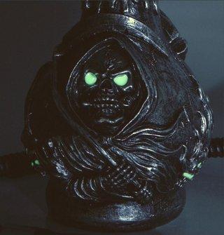 """Modern-Shisha W.P. """"Skull"""" nachtleuchtend 45cm"""
