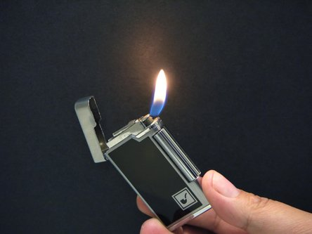 Pfeifenfeuerzeug PASSATORE schwarz Lack / chrom poliert